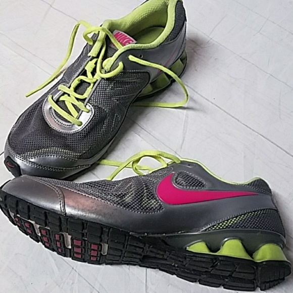 the latest b817d ad766 Nike REAX RUN 7 Silver Pink Neon Yellow Sneakers. M 5a68dd9a3a112ef3faa9efb4